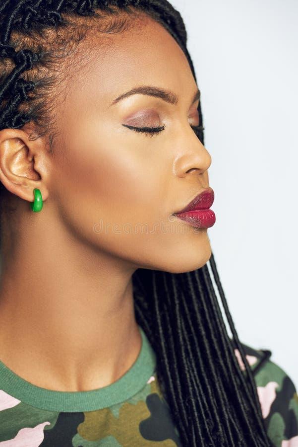 Boczny portret afroamerykanina model fotografia stock