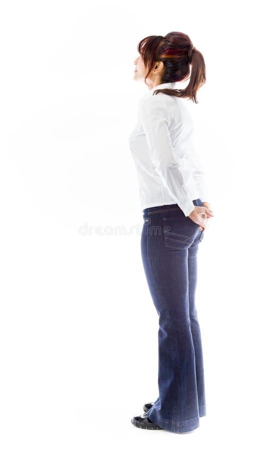Download Boczny Profil Indiańska Młoda Kobieta Patrzeje Odległość Z Rękami Za Plecy Obraz Stock - Obraz złożonej z target30, fotografia: 41951159