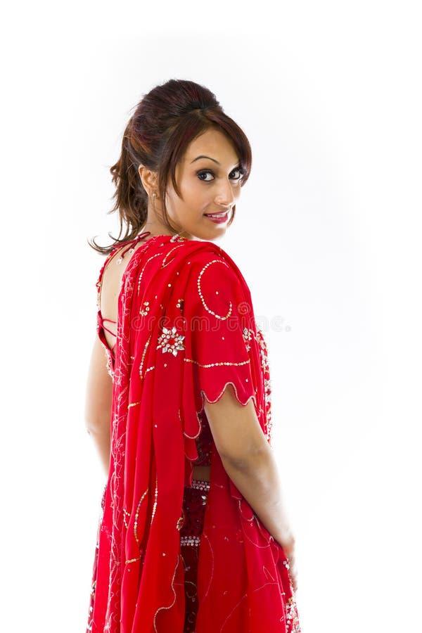 Download Boczny Profil Indiański Młodej Kobiety Ono Uśmiecha Się Zdjęcie Stock - Obraz złożonej z fryzury, human: 41952240