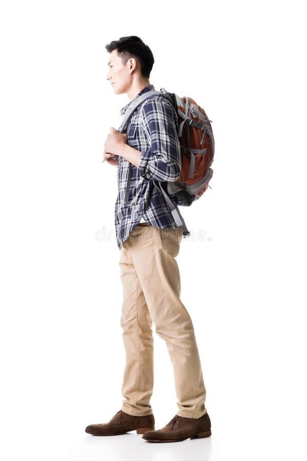 Boczny widok młody Azjatycki backpacker obrazy stock