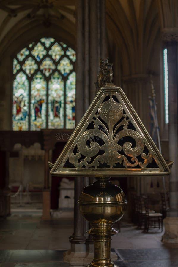 Boczny widok Mosiężny pulpit w studniach Katedralnych zdjęcie royalty free