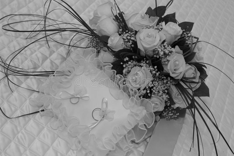 Boda de los anillos de bodas imagen de archivo