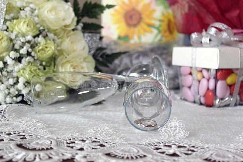 Boda de los anillos de bodas fotografía de archivo libre de regalías