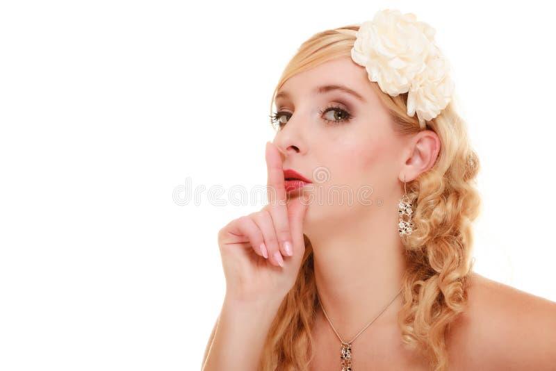 boda Novia que pide tranquilidad Finger en los labios fotografía de archivo libre de regalías
