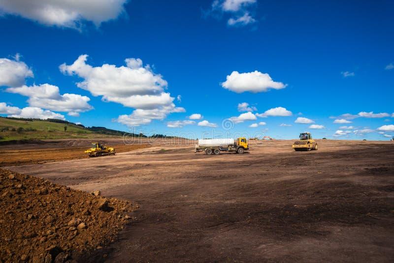 Bodenbewegung-industrieller Aufbau lizenzfreie stockfotos