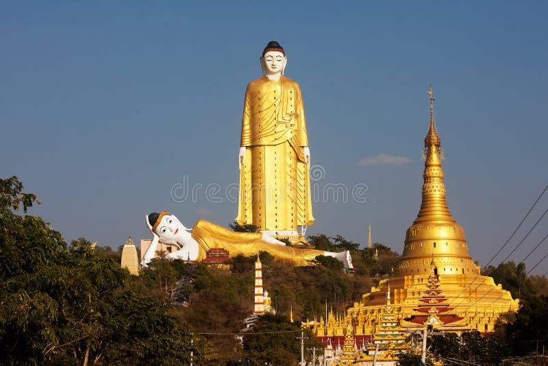 Bodhi Tataung die Boedha bevindt zich is het tweede langste standbeeld in Th stock foto's