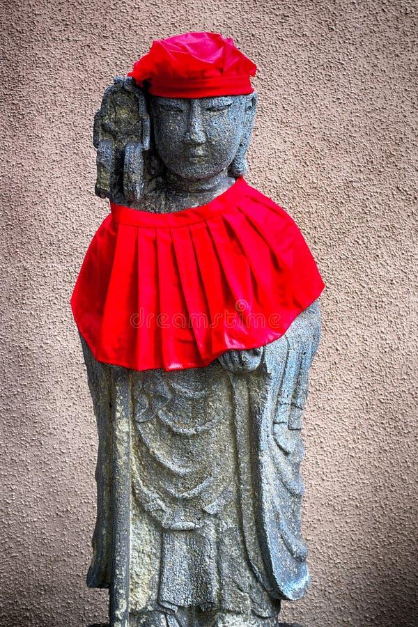 Bodhisattva di Jizo in tempio buddista di Anyo, Tokyo, Giappone fotografie stock libere da diritti