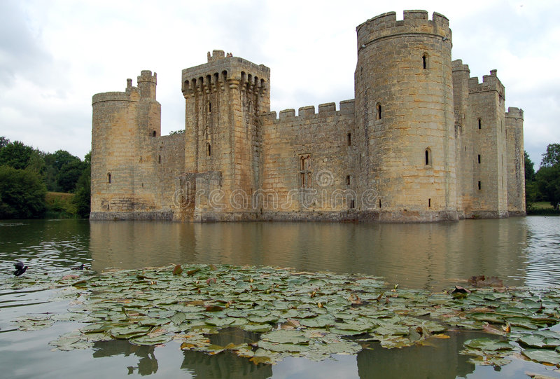 Download Bodiam Castle stock image. Image of lake, pond, towers - 2115355