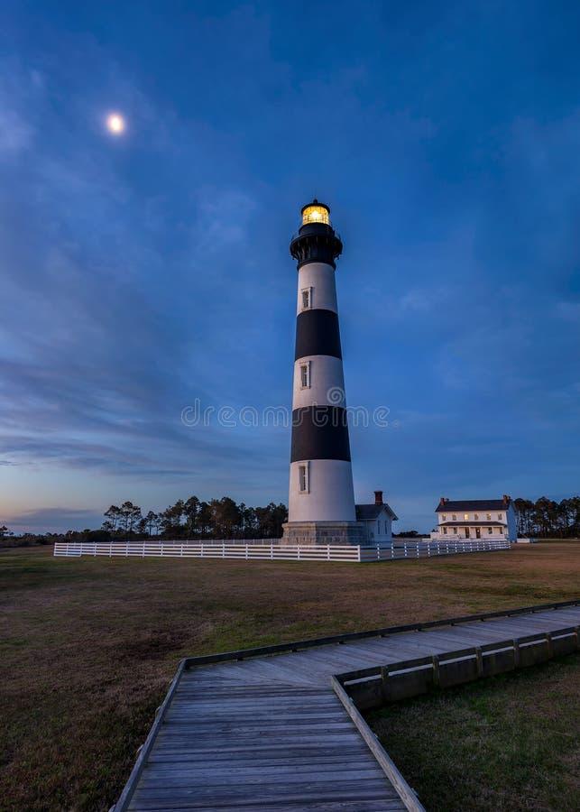 Bodie Island Lighthouse, lever de la lune Bnks externe la Caroline du Nord photographie stock libre de droits