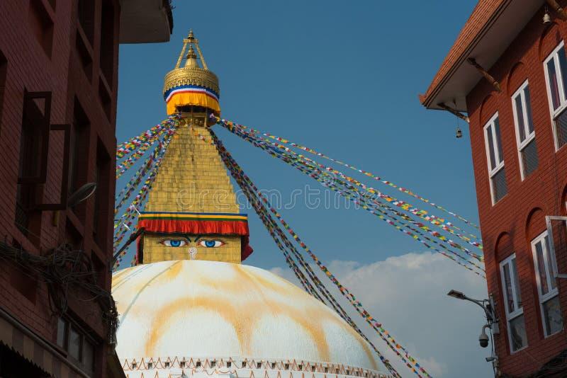 Bodnath et x28 ; Boudha& x29 ; Stupa, Katmandou Népal - le plus grand bourgeon des mondes photos libres de droits
