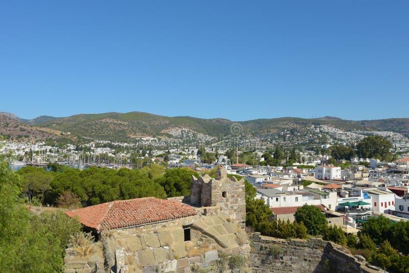 Bodrum, Turquie - 5 septembre 2017 : Vue de ville de Bodrum du château de St Peter image stock