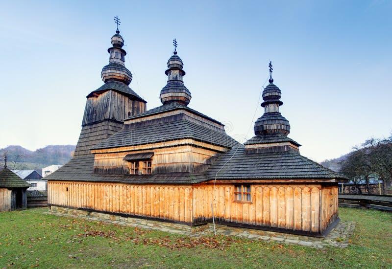 Bodruzal, Eslovaquia - iglesia católica griega fotos de archivo