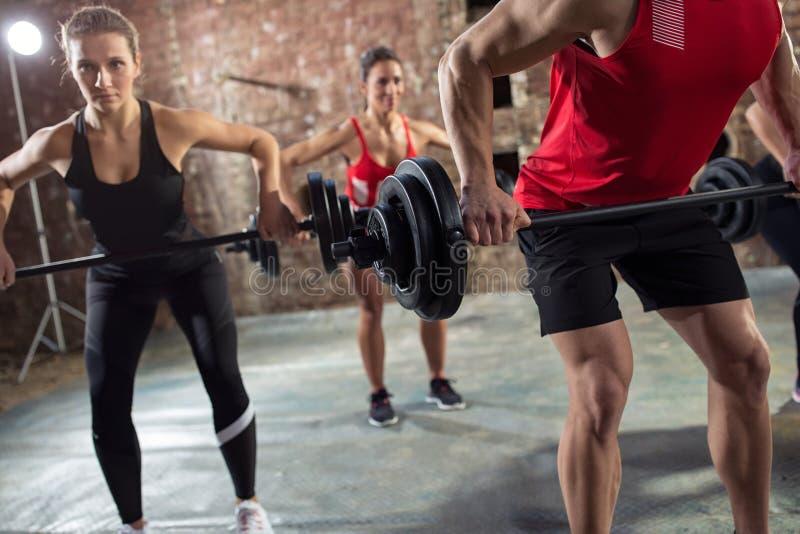 Bodybuilder haben Training stockfotos