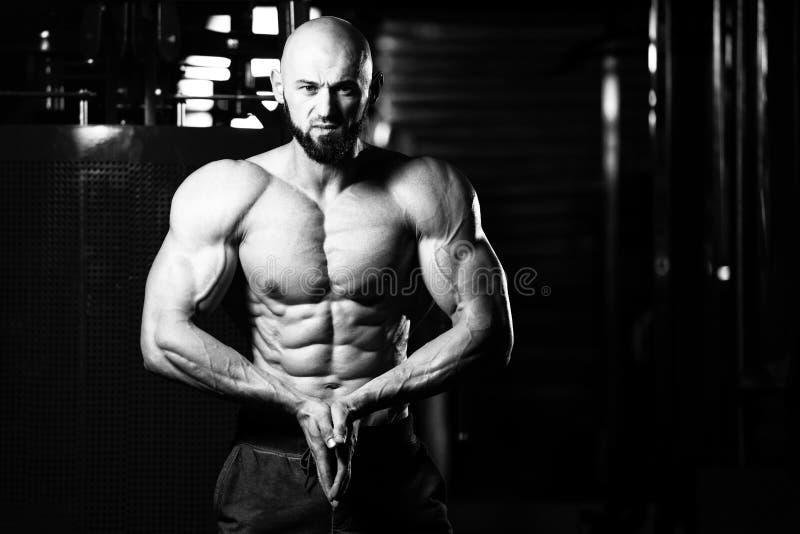 Bodybuilder Presteren Het meest spier stelt royalty-vrije stock foto's