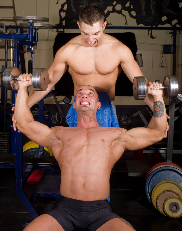 Bodybuilderausbildung lizenzfreie stockfotografie