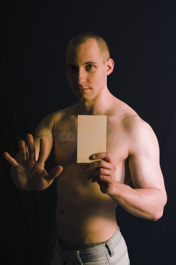 Bodybuilderverteidigung mit Karte stockbild
