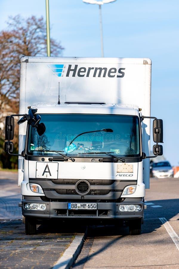 Boeblingen Tyskland - Maj 24, 2018, a-hermesbiltransport levererar royaltyfri bild