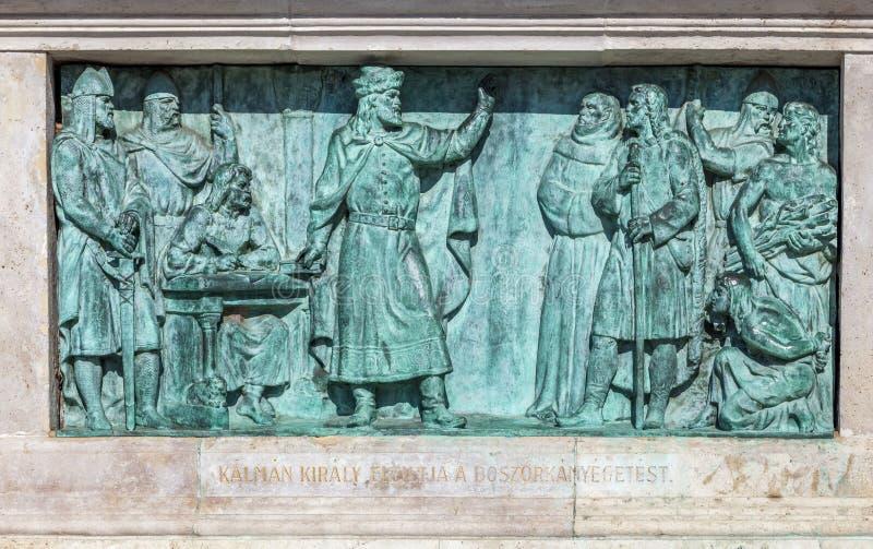 Boedapest, HONGARIJE - FEBRUARI 15, 2015 - bronst bas-hulp van gedenkteken in Heldenvierkant stock fotografie
