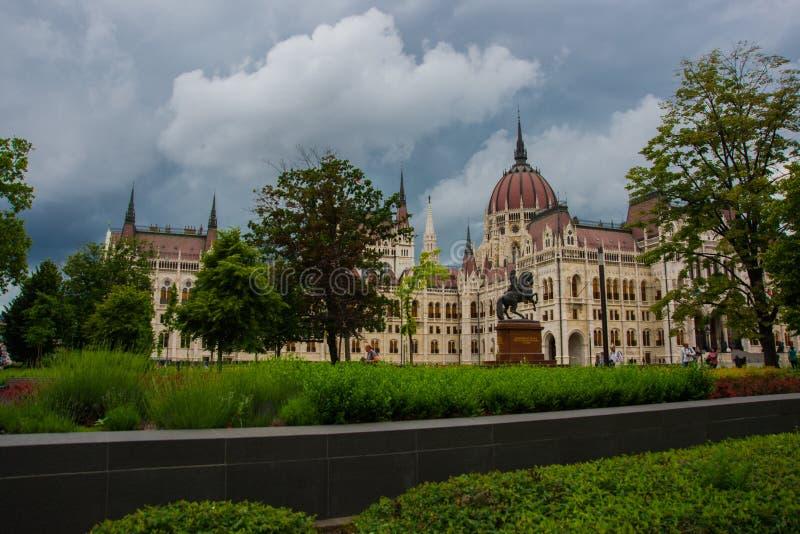Boedapest, Hongarije: Het ruiterpaard en ruiterstandbeeld van de Hongaarse edelman en de leider, Francis II Rakoczi, voor royalty-vrije stock afbeelding