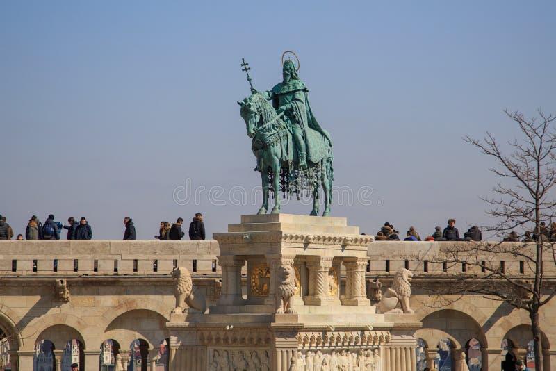 Boedapest, Hongarije, 22 Maart 2018: Hongaarse held op een paard - Ruiterstandbeeld van Koning Stephen I Szent Istvan kiraly royalty-vrije stock afbeeldingen