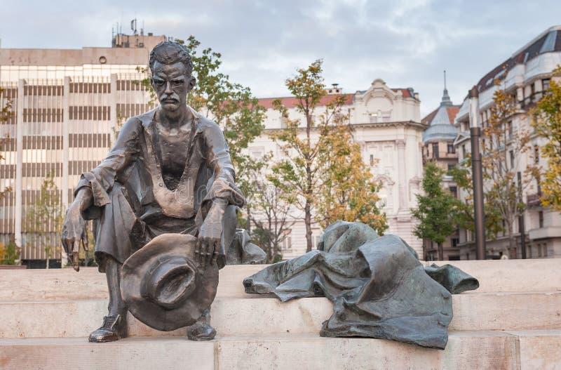 BOEDAPEST, HONGARIJE - OKTOBER 26, 2015: Het standbeeld van dichtersattila jozsef in Boedapest, Hongarije, royalty-vrije stock foto's