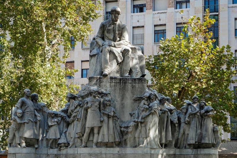 BOEDAPEST, HUNGARY/EUROPE - 21 SEPTEMBER: Standbeeld van Mihaly Voros stock afbeeldingen