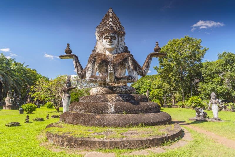 Boeddha-standbeeld in het Boeddha-park, Xieng Khouan, Vientiane, Laos, Indochina, Azië royalty-vrije stock afbeelding