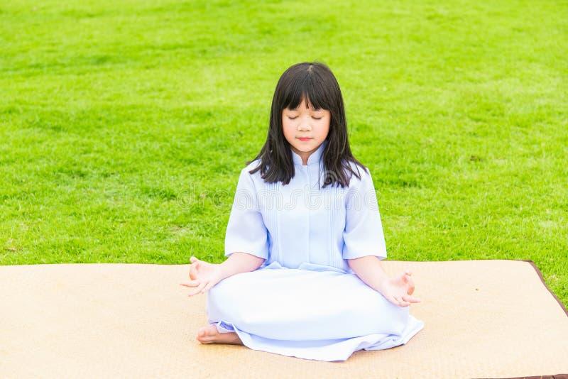 Boeddhistisch Aziatisch meisje royalty-vrije stock foto