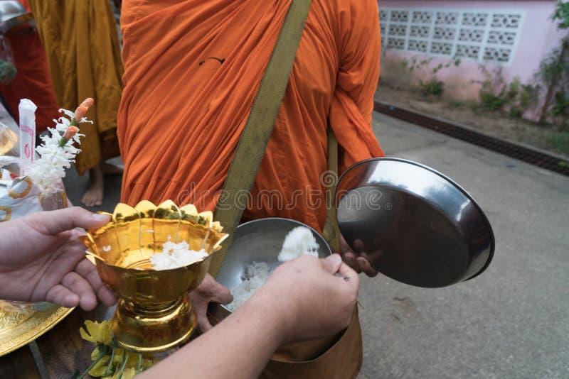 Boeddhistisch maak verdienste royalty-vrije stock fotografie