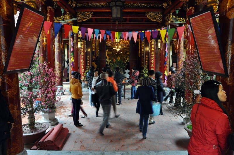 Boeddhistisch tempelbinnenland in Hanoi, Vietnam royalty-vrije stock afbeeldingen