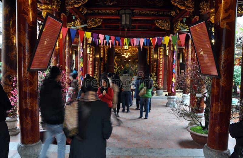 Boeddhistisch tempelbinnenland in Hanoi, Vietnam royalty-vrije stock foto