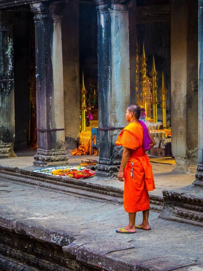 Boeddhistische Monnik in Angkor Wat royalty-vrije stock afbeeldingen