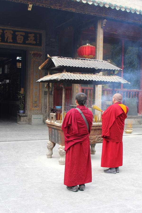 Boeddhistische monniken bij de Hualin-tempel in Guangzhou royalty-vrije stock fotografie