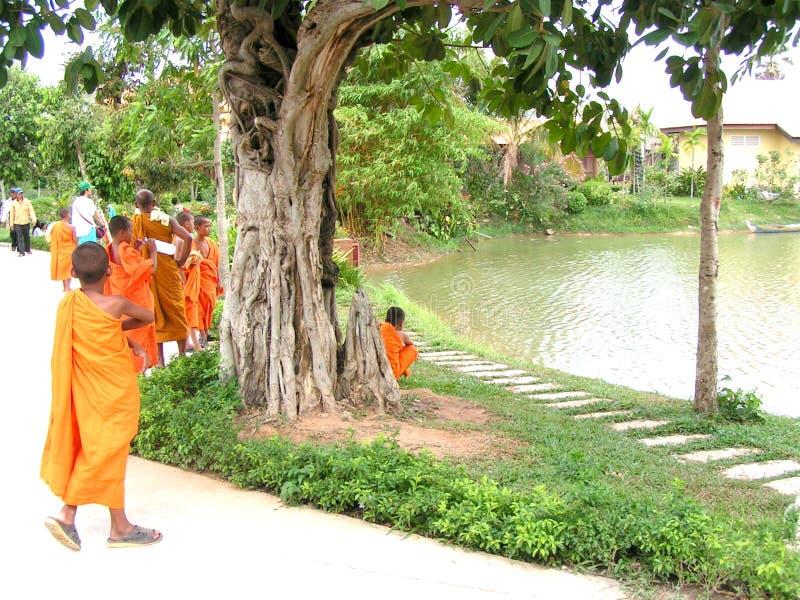 Boeddhistische monniken - Kambodja royalty-vrije stock afbeelding