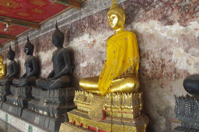 Boeddhistische standbeelden royalty-vrije stock afbeelding