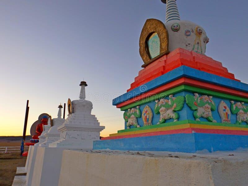 Boeddhistische Stupa stock afbeeldingen