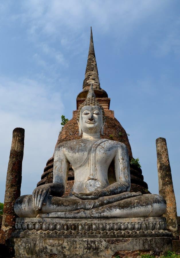 Boedha in het Historische Nationale Park van Sukhothai stock afbeeldingen