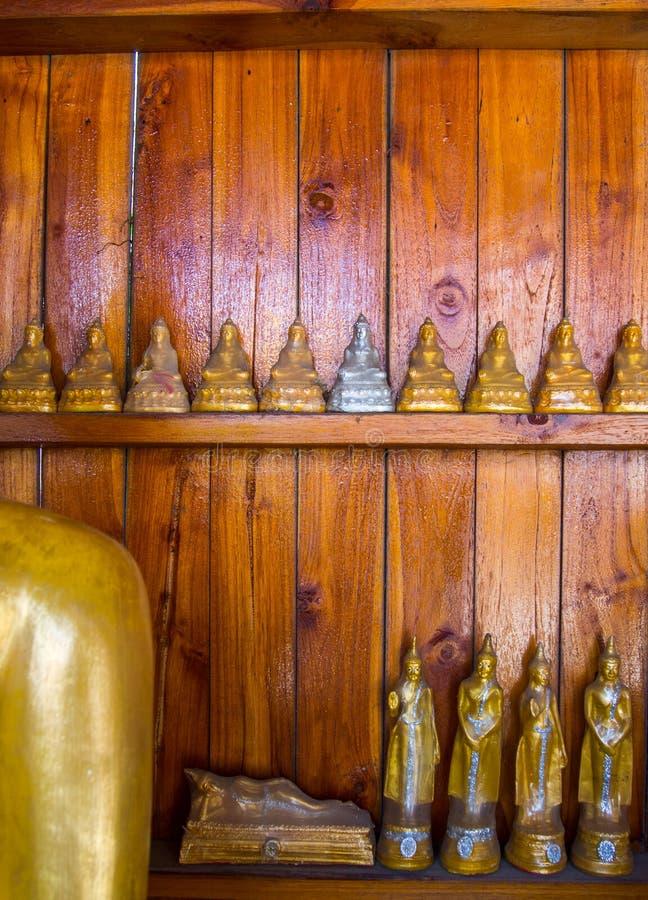 Boedha op Patroondetail van teakgoud royalty-vrije stock foto