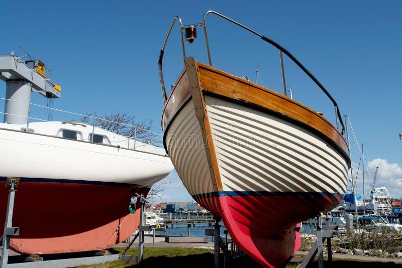 Boeg van een houten jachtboot royalty-vrije stock foto