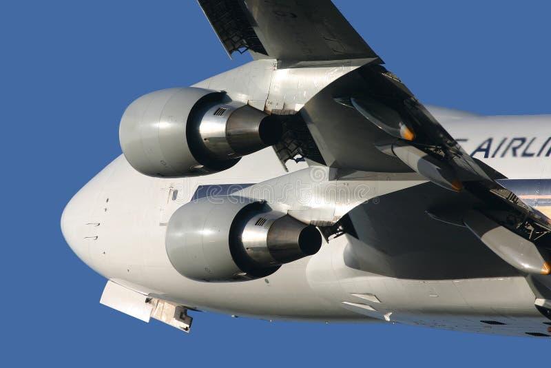 Boeing 747 que sube lejos imágenes de archivo libres de regalías