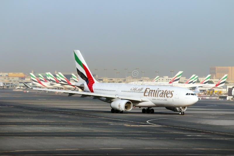 Boeing B777 300/200 LR emiraty obrazy royalty free