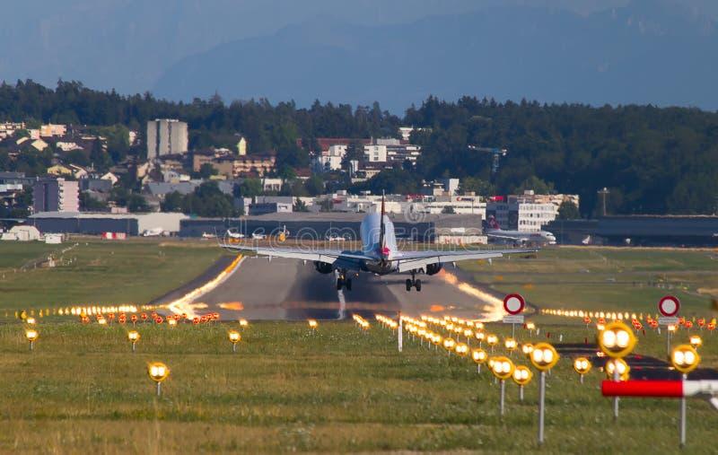 Boeing-737 British Airways. ZURICH - JULY 18: Boeing-737 British Airways landing in Zurich after short haul flight on July 18, 2015 in Zurich, Switzerland royalty free stock images