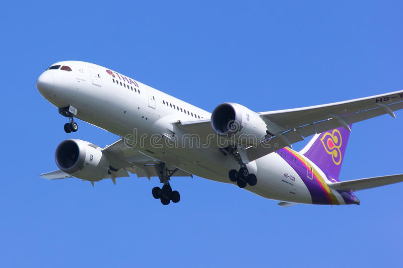 Boeing 787-800. CHIANGMAI , THAILAND - SEPTEMBER 10 2014: Boeing 787-800 Dreamliner HS-TQA of Thaiairway.First of 787 for Thaiairway.Photo shot of landing to royalty free stock photography