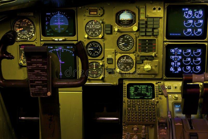 Boeing 757 cockpit royaltyfria foton