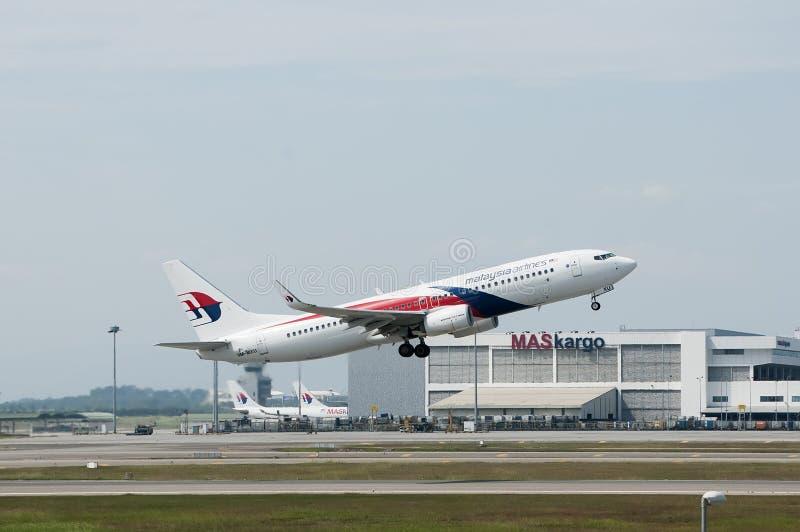 Boeing 737 décollent photo libre de droits