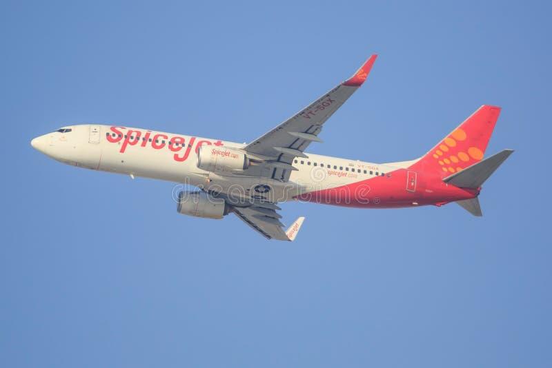 Boeing 737 de Spicejet fotos de stock royalty free