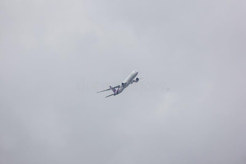 Boeing 777-300 de voie a?rienne tha?landaise photo stock