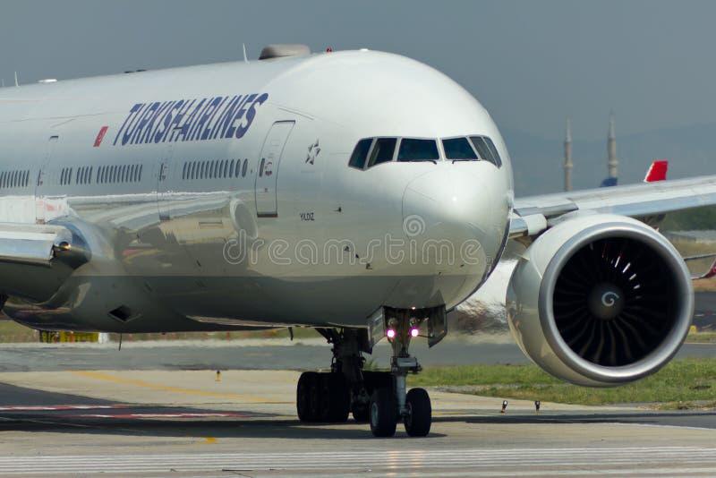 Boeing 777 dicht omhoog stock fotografie
