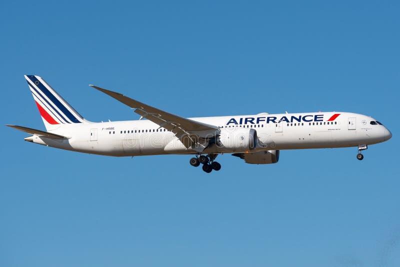 Boeing 787-9 Dreamliner door AirFrance te landen in werking die wordt gesteld die royalty-vrije stock afbeelding