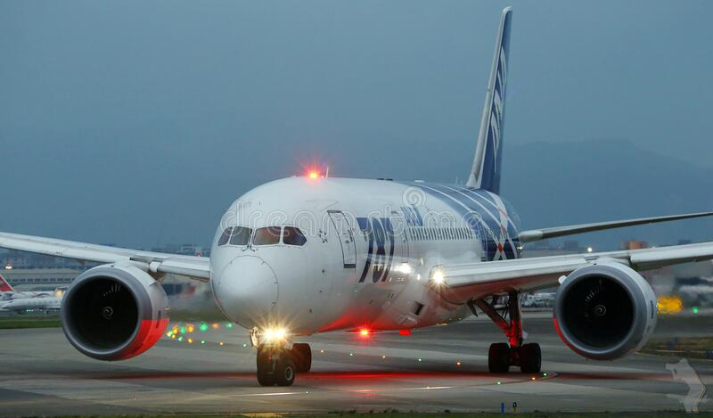 Boeing 787 Dreamliner on runway royalty free stock images